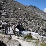 ponte oltre la bastionata rocciosa