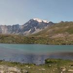 lago di thoules e sullo sfondo il mont velan