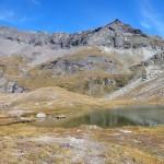 lago inferiore e dietro la testa grigia
