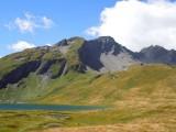 vetta rocciosa della lancebranlette dal lago verney