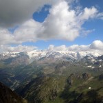 alta valle d'ayas e il rosa tra le nuvole
