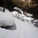 giochi di neve tra i massi