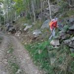 sentiero dopo la presa per l'acqua