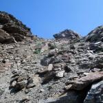 colletto dietro allo spuntone roccioso