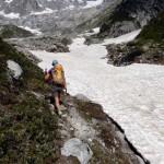 nevaio-per-attraversare-il-torrente